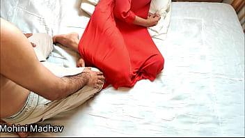 Молодая дочка дрочит папочке пенис