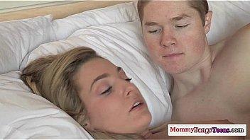 Рыжая лесбияночка доверила свою киску язычку и пальчикам