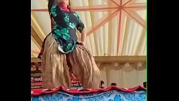 Анабелла занимается аналом в огромную жопу